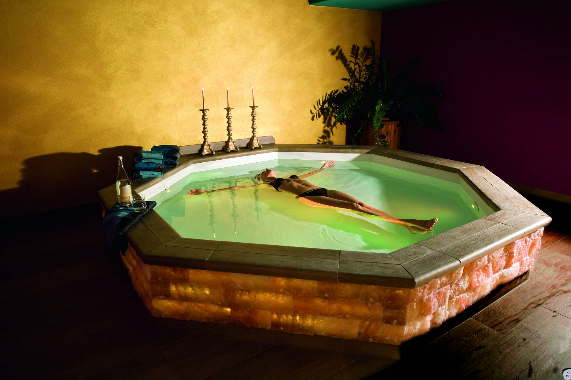 OSPA Floating Spa